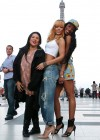 Rihanna and friends photoshoot in front of the Eiffel Tower-04