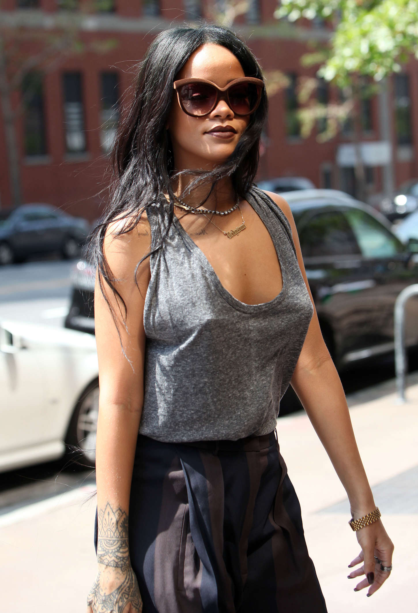 Rihanna Arriving At A Office In Nyc Gotceleb