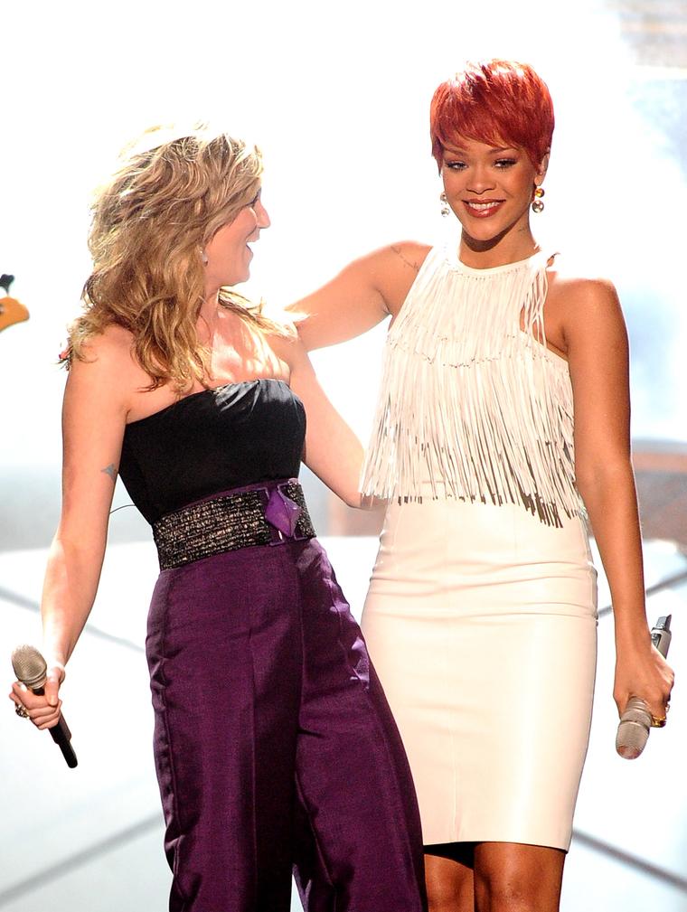 Rihanna 2011 : Rihanna-05
