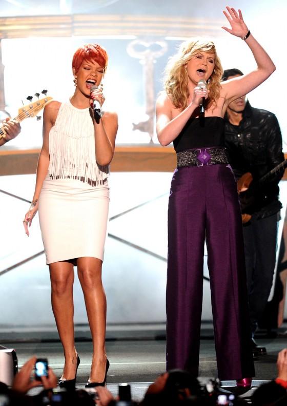 Rihanna 2011 : Rihanna-07