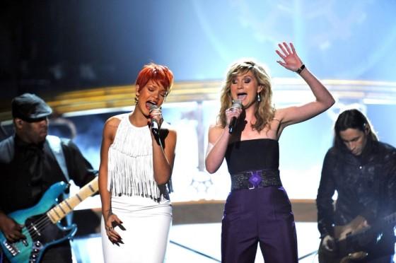 Rihanna 2011 : Rihanna-11