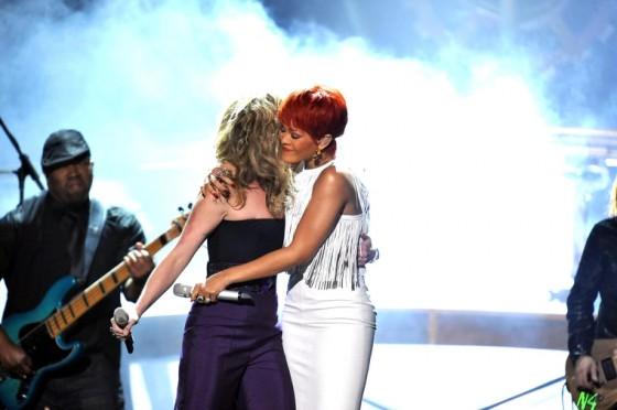 Rihanna 2011 : Rihanna-12