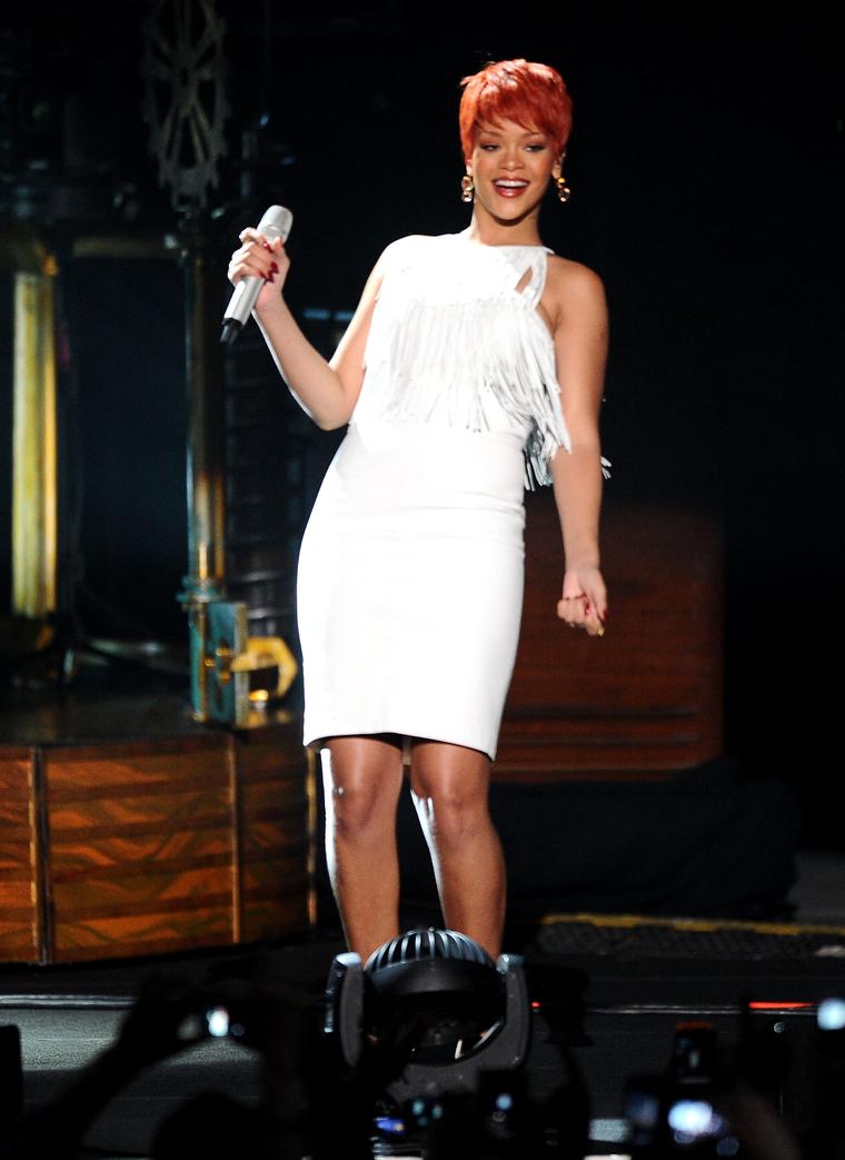 Rihanna 2011 : Rihanna-13