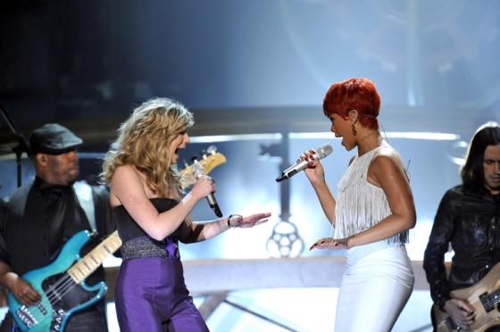 Rihanna 2011 : Rihanna-16