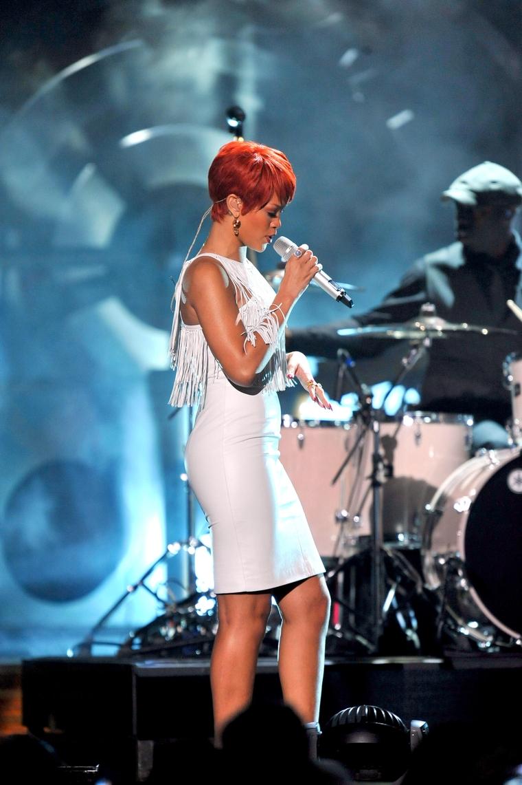 Rihanna 2011 : Rihanna-17