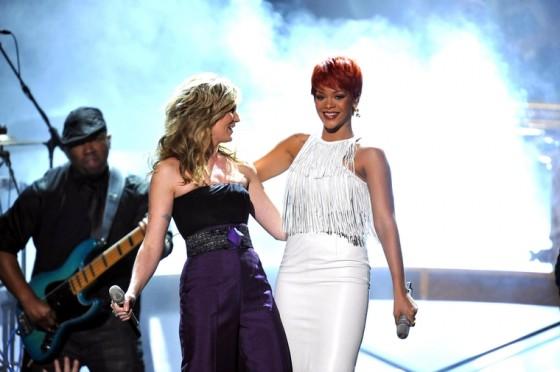 Rihanna 2011 : Rihanna-23