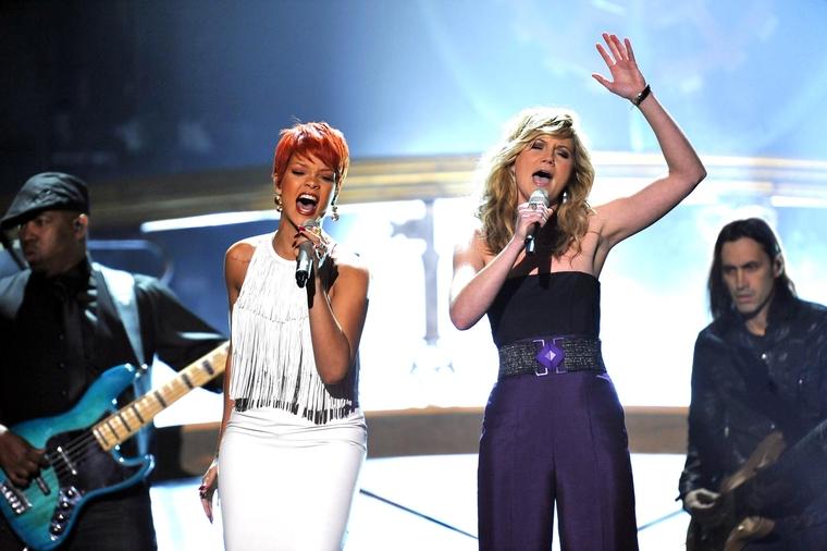 Rihanna 2011 : Rihanna-27