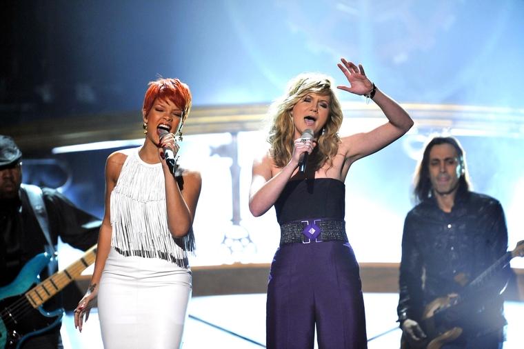 Rihanna 2011 : Rihanna-31