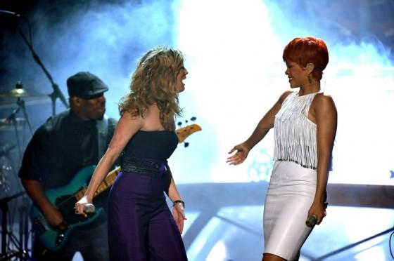 Rihanna 2011 : Rihanna-34