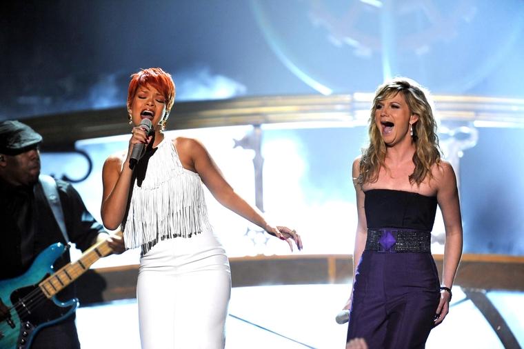 Rihanna 2011 : Rihanna-35