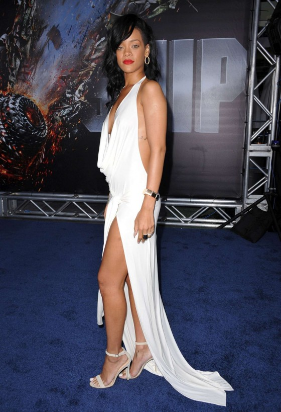 Rihanna at BATTLESHIP Premiere in LA-12