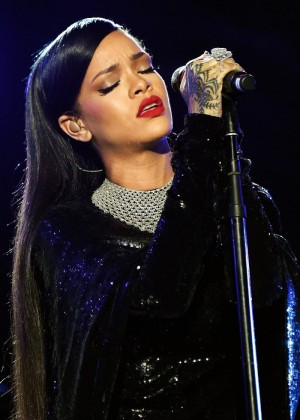 Rihanna - Performs at Valor Event on the National Mall in Washington