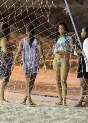 Rihanna bikini: Rio 2014 -13
