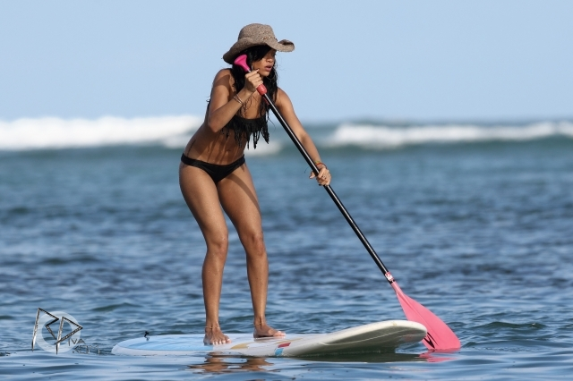 Rihanna – Bikini In Hawaii-21