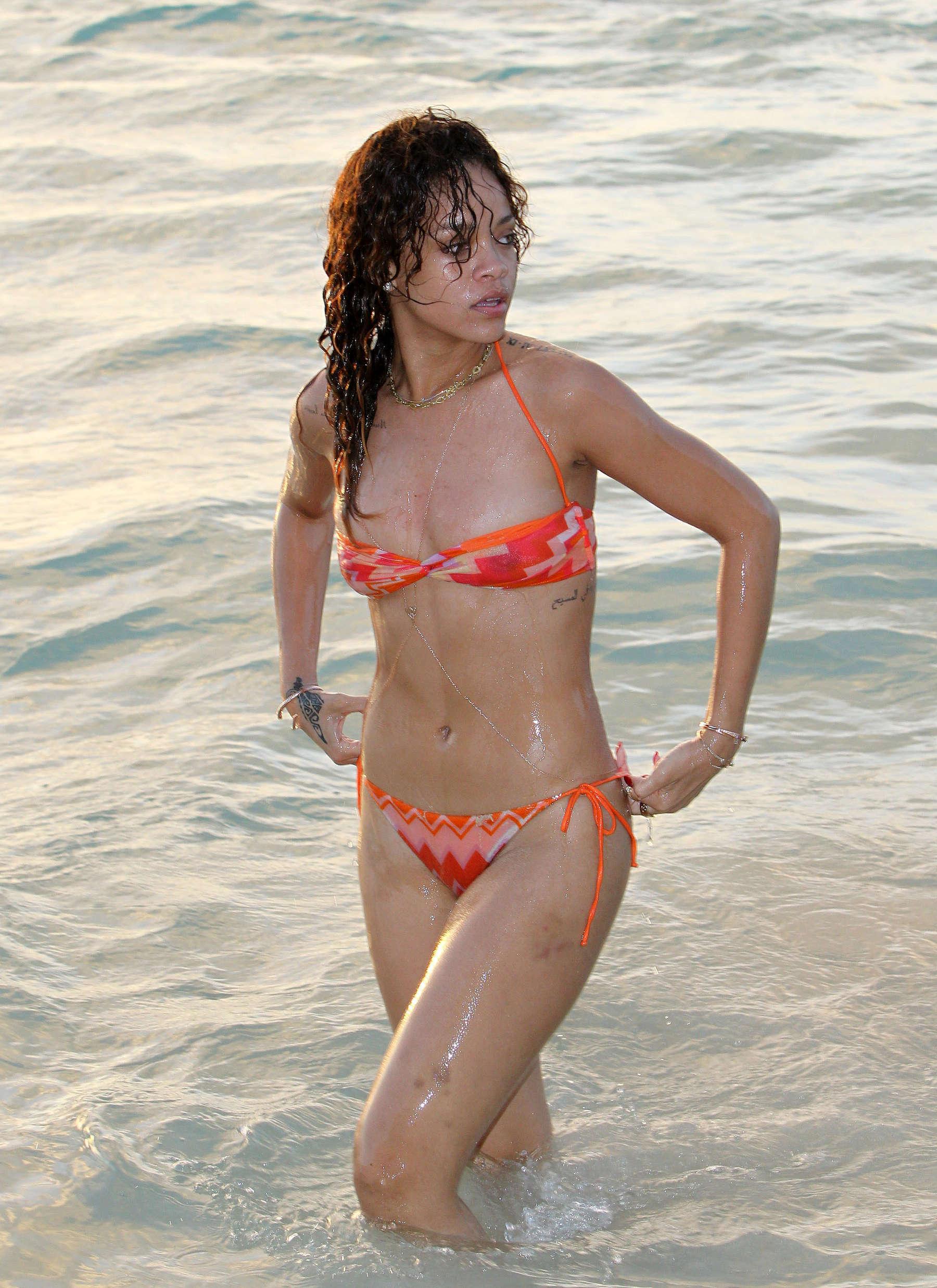 Bikini Rihanna nude (73 photo), Sexy, Hot, Selfie, legs 2019