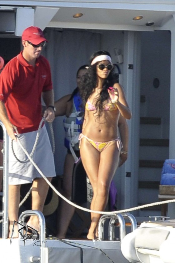 Rihanna - Bikini on a yacht in Capri