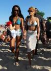 rihanna-bikini-pictures-25