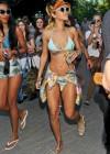 rihanna-bikini-pictures-28