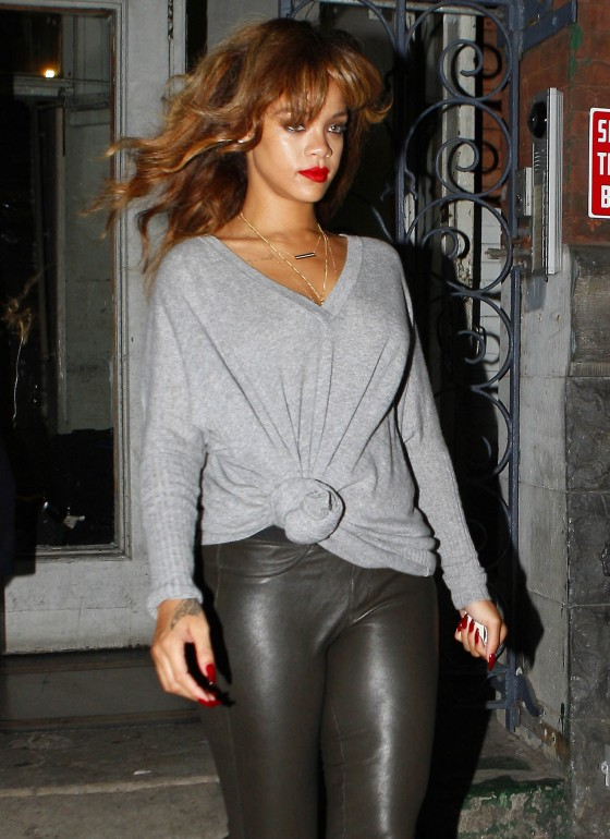 Rihanna – Black Pants Candids-01