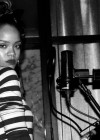 rihanna-candids-in-the-studio-05