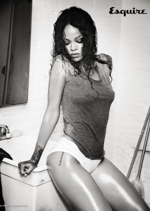 Rihanna: Esquire UK 2014 -01