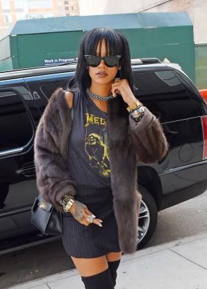 Rihanna in Mini Skirt Heading to a recording studio in Chelsea