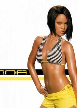 Rihanna Hot Widescreen Wallpapers -15