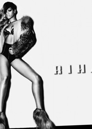 Rihanna Hot Widescreen Wallpapers -22