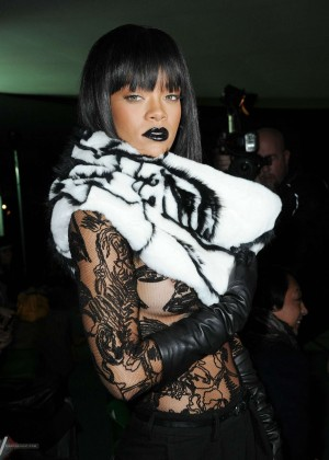 Rihanna: Jean Paul Gaultier Fashion Show -06