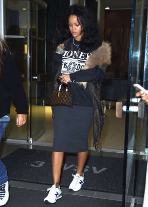 Rihanna - Leaving a dentist office in NYC