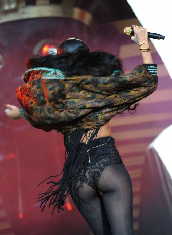 Rihanna - Live at Barclaycard Wireless Festival at Hyde Park