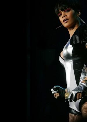 Rihanna Wallpapers Hot and New -11