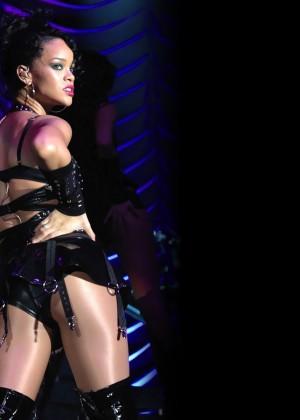 Rihanna Wallpapers Hot and New -16