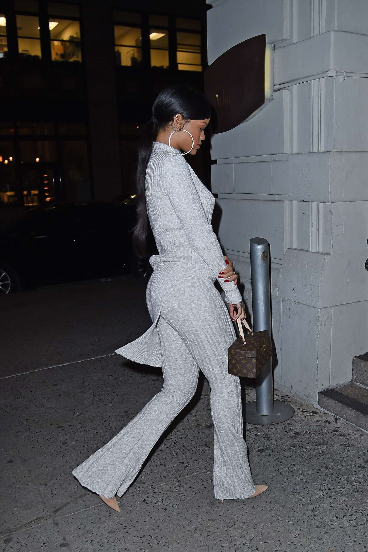 Rihanna 2014 : Rihanna in White at Philippe Chow Restaurant -04