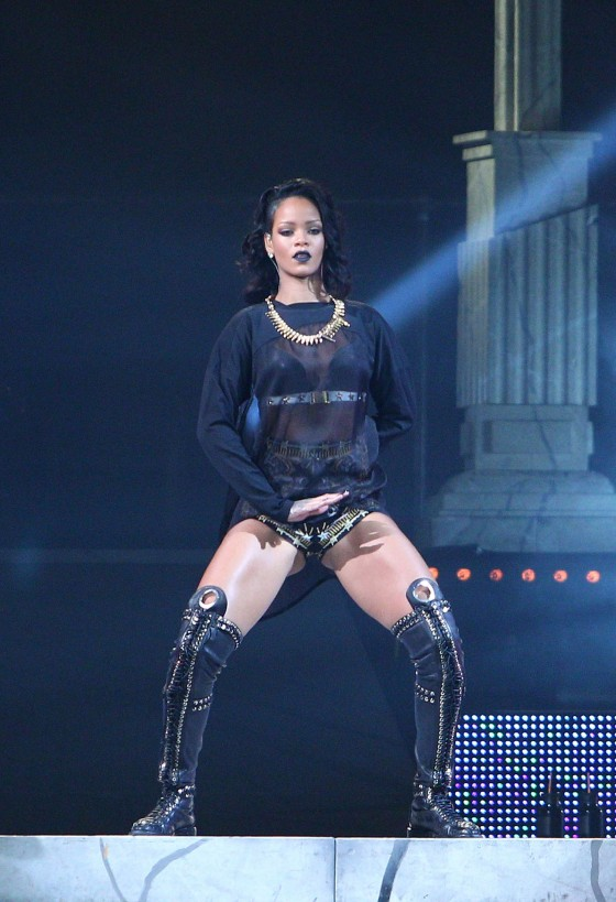 Rihanna: Performance in New Orleans -07