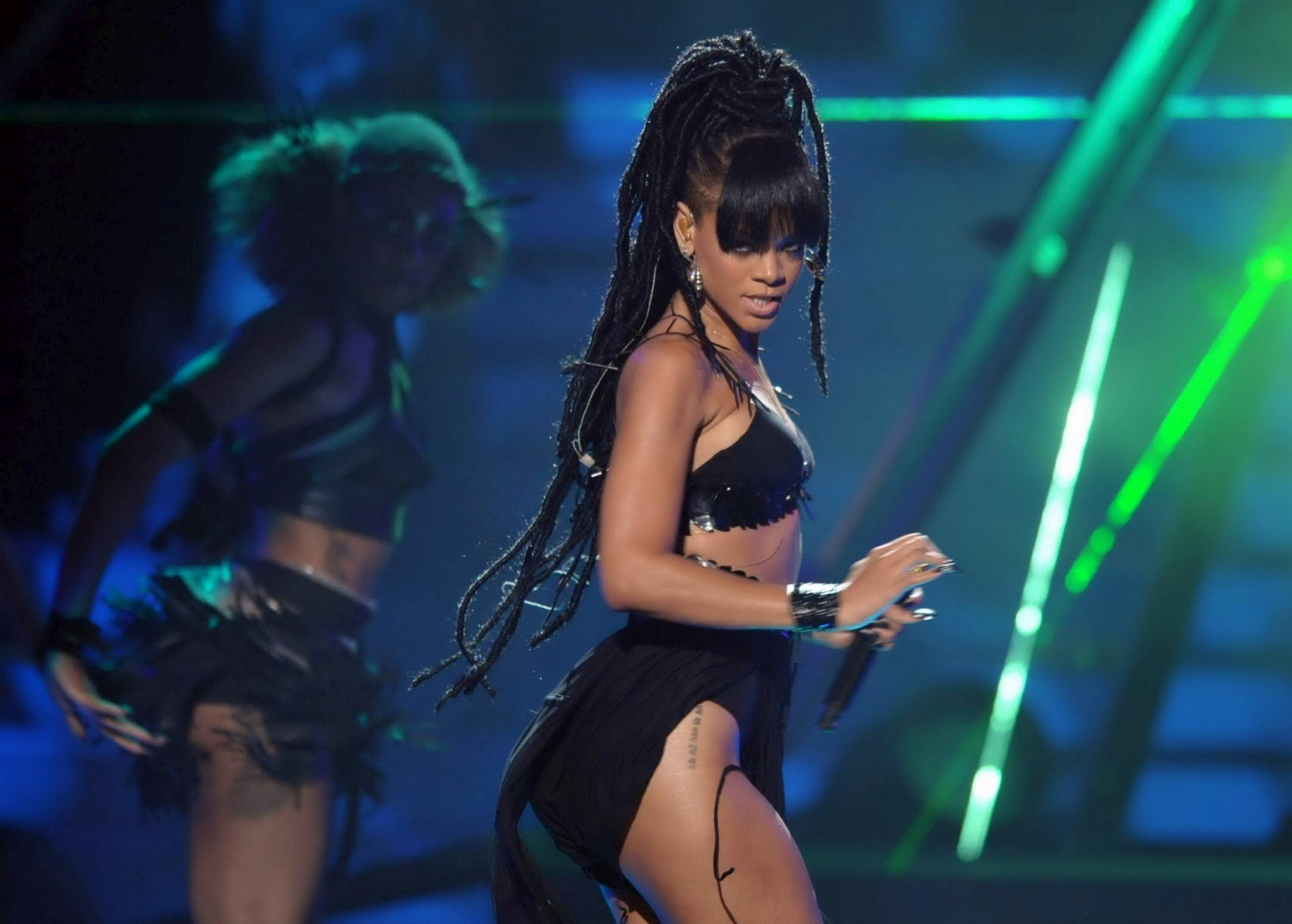 Rihanna performing on stage-13