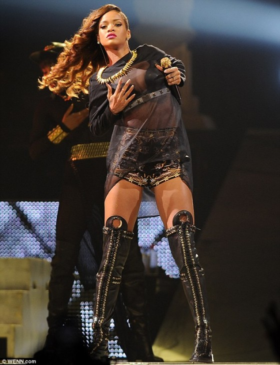 Rihanna at the BBT Center -03