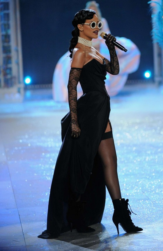 Rihanna showing her legs and cleavage at 2012 Victorias Secret Fashion Show