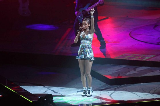 Rihanna performs during her Diamonds World Tour in Washington-11