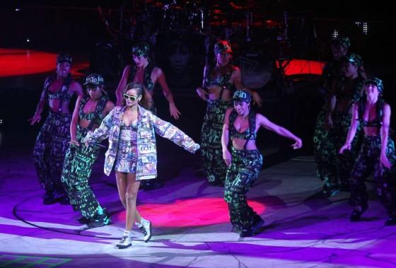 Rihanna 2013 : Rihanna performs during her Diamonds World Tour in Washington-29