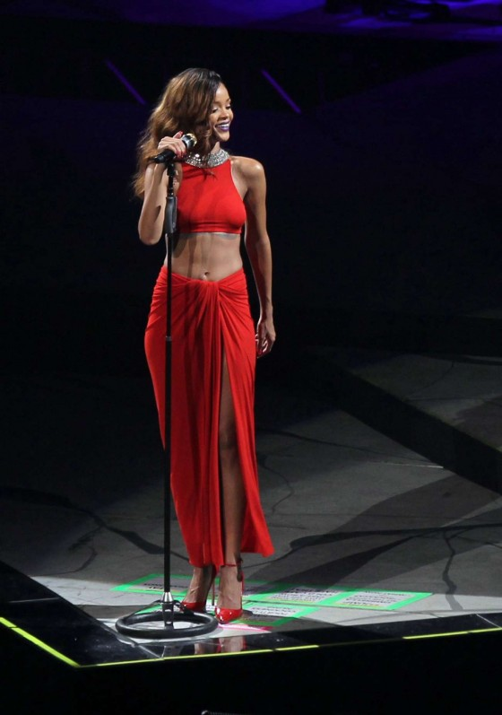 Rihanna performs during her Diamonds World Tour in Washington-33