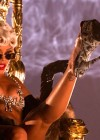 Rihanna: Pour It Up Making Of -11
