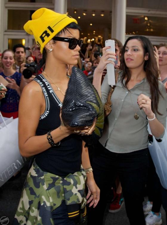 Rihanna Photos: Marijuana Purse -06