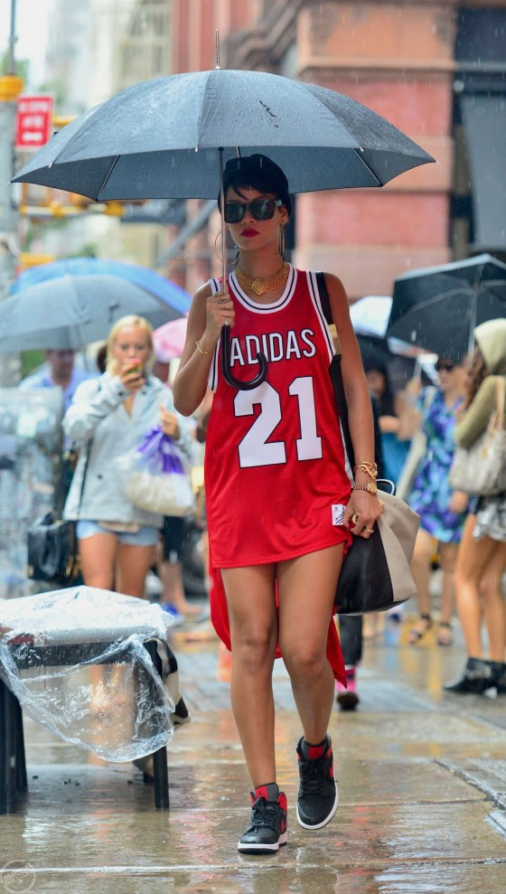 Rihanna – Seen Out in NYC