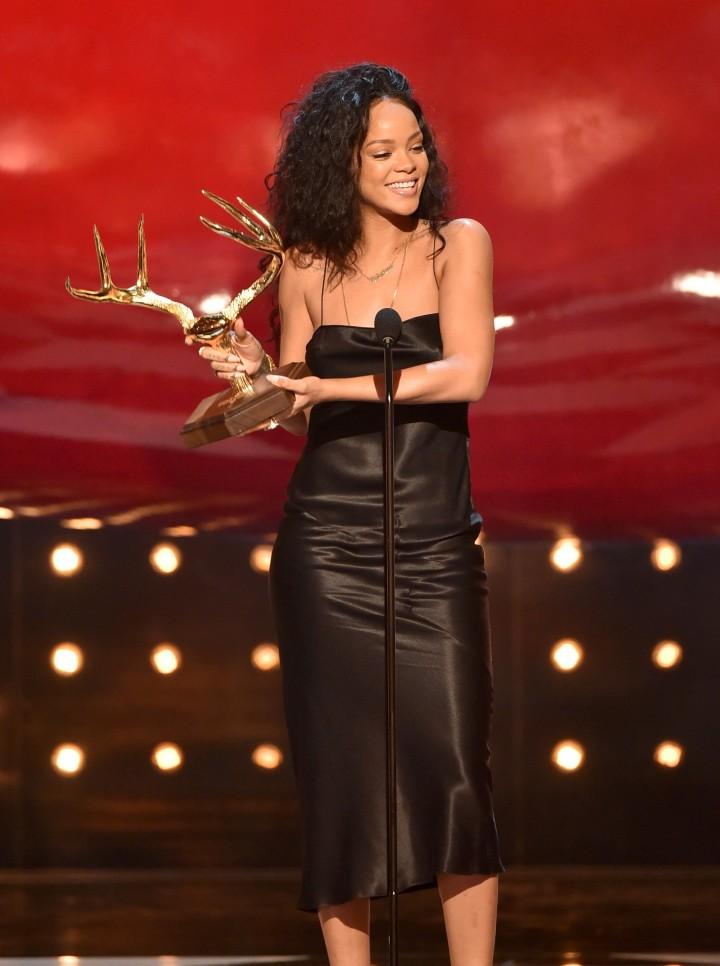 Rihanna – Spike TV 2014 Guys Choice Awards in Culver City-02