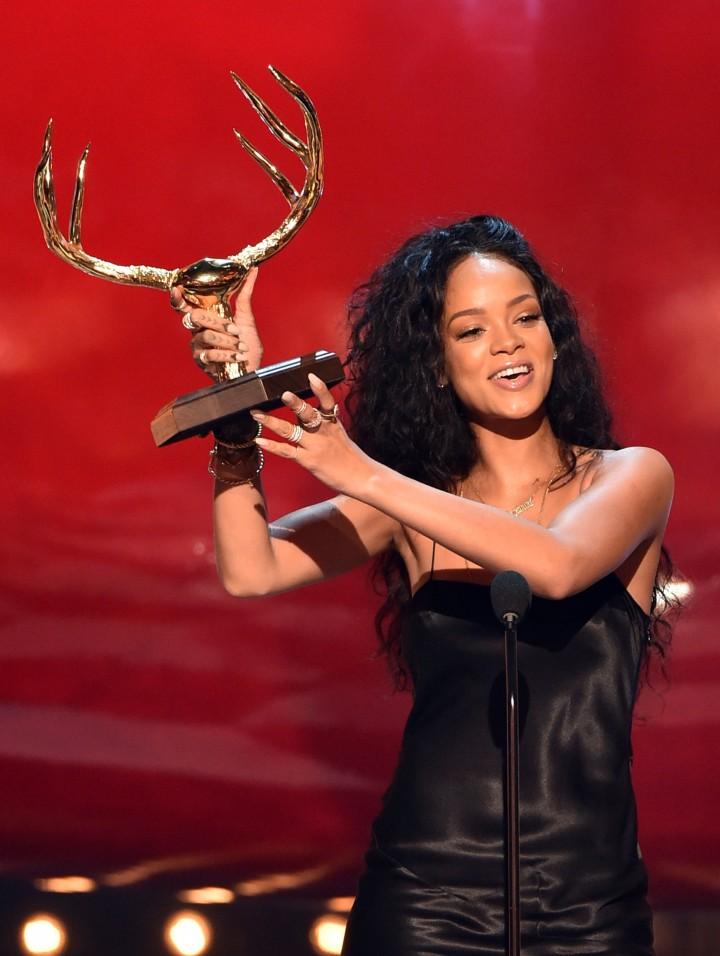 Rihanna – Spike TV 2014 Guys Choice Awards in Culver City-06