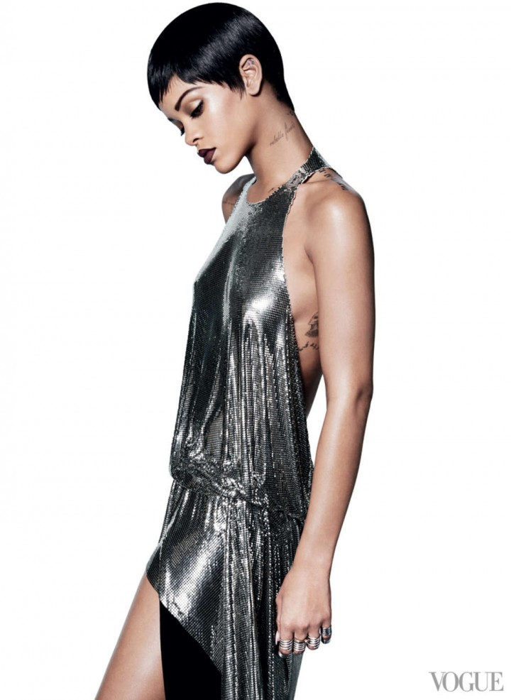 Rihanna: Vogue US -02