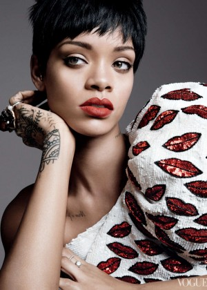 Rihanna: Vogue US -03
