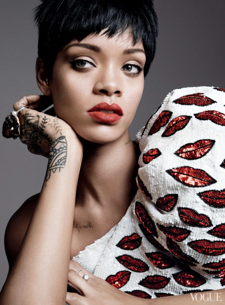Rihanna: Vogue US -03