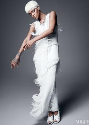 Rihanna: Vogue US -04